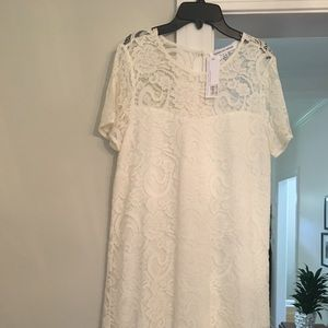 Cupcakes and Cashmere never been worn lace dress